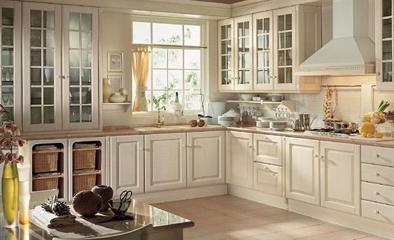 Cucina classica mobili elettrodomestici accessori - Colori pareti cucina classica ...