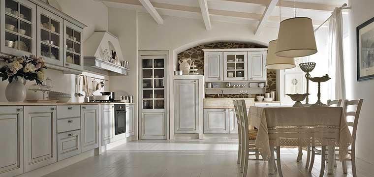 cucina classica elegante : pareti cucina classica: spoglie, semplici, eleganti